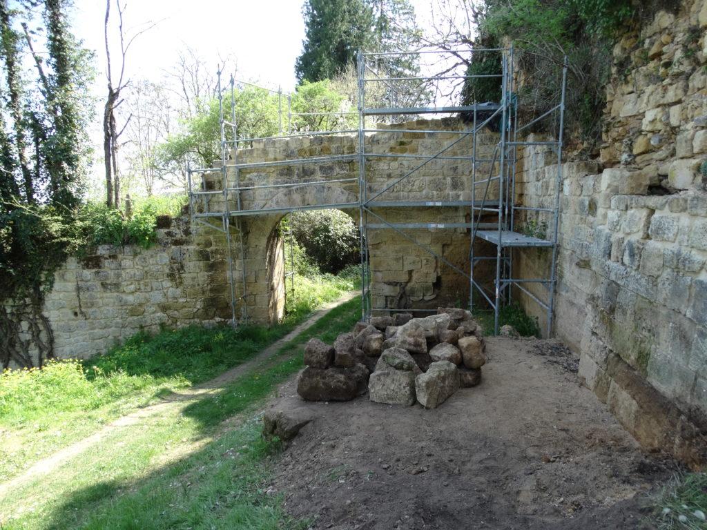 Porte Taillefer Village de Miremont